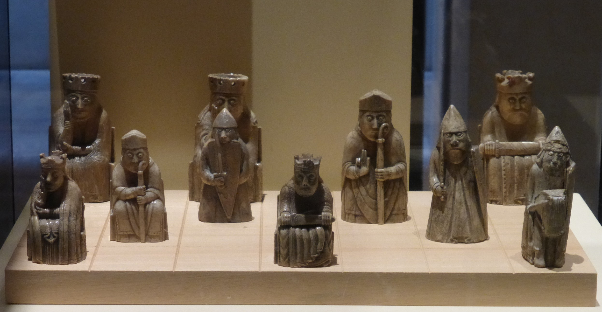File lewis chessmen national museum of scotland jpg wikimedia commons - Lewis chessmen set ...