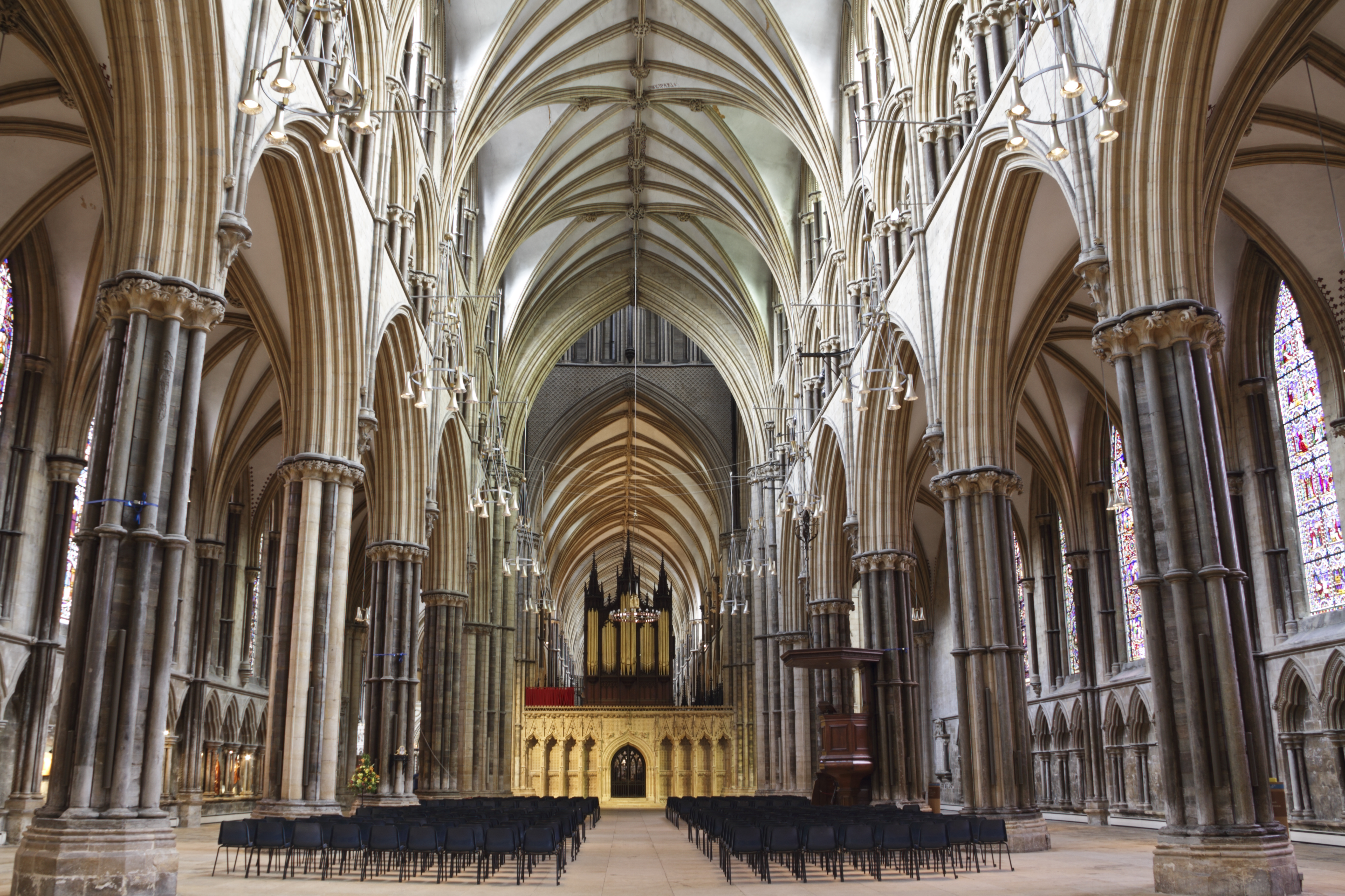 File:Lincoln Cathedral (7435757570).jpg - Wikimedia Commons Canterbury Cathedral Gothic Architecture
