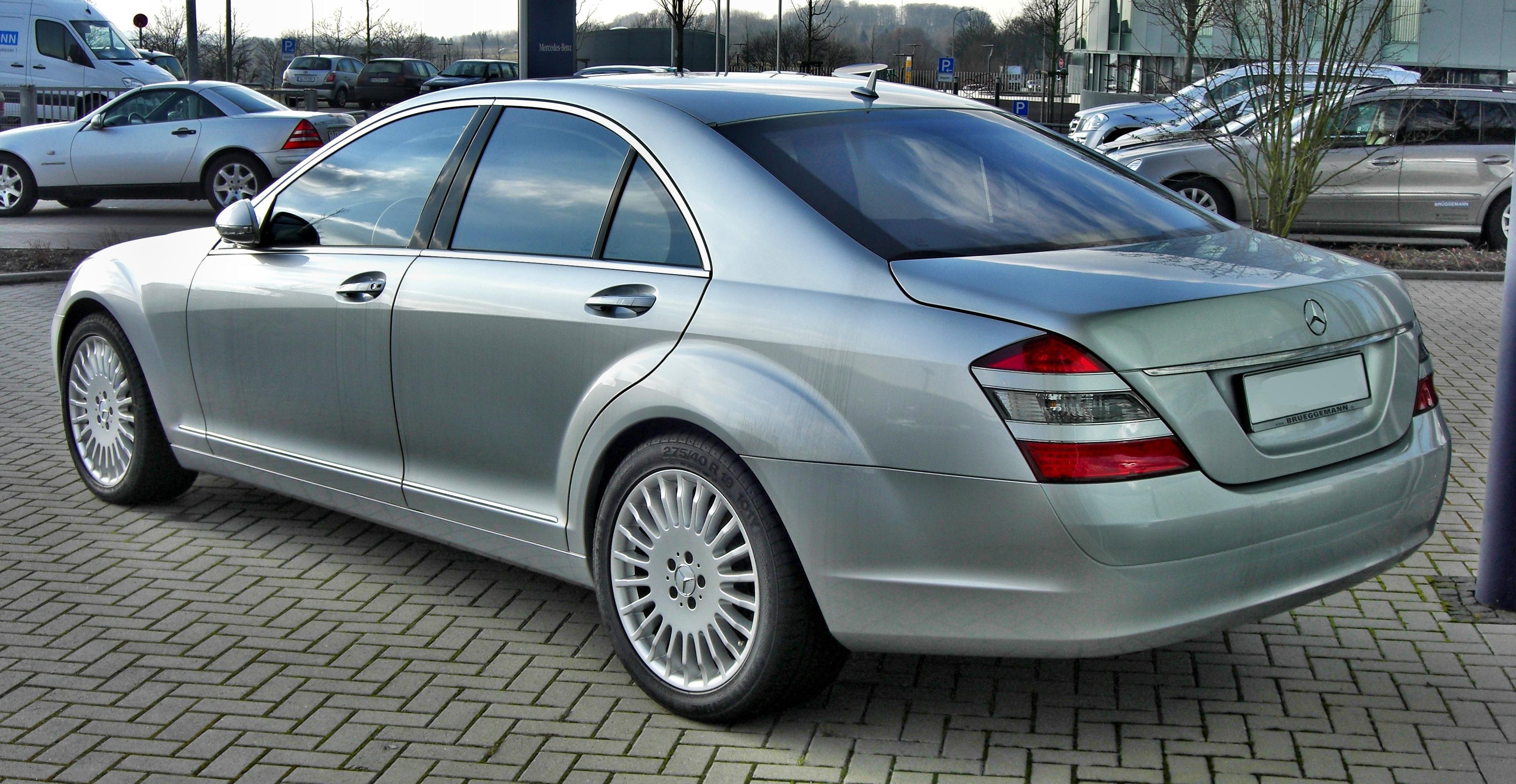 File:Mercedes S 500 20090214 rear.jpg - Wikimedia Commons