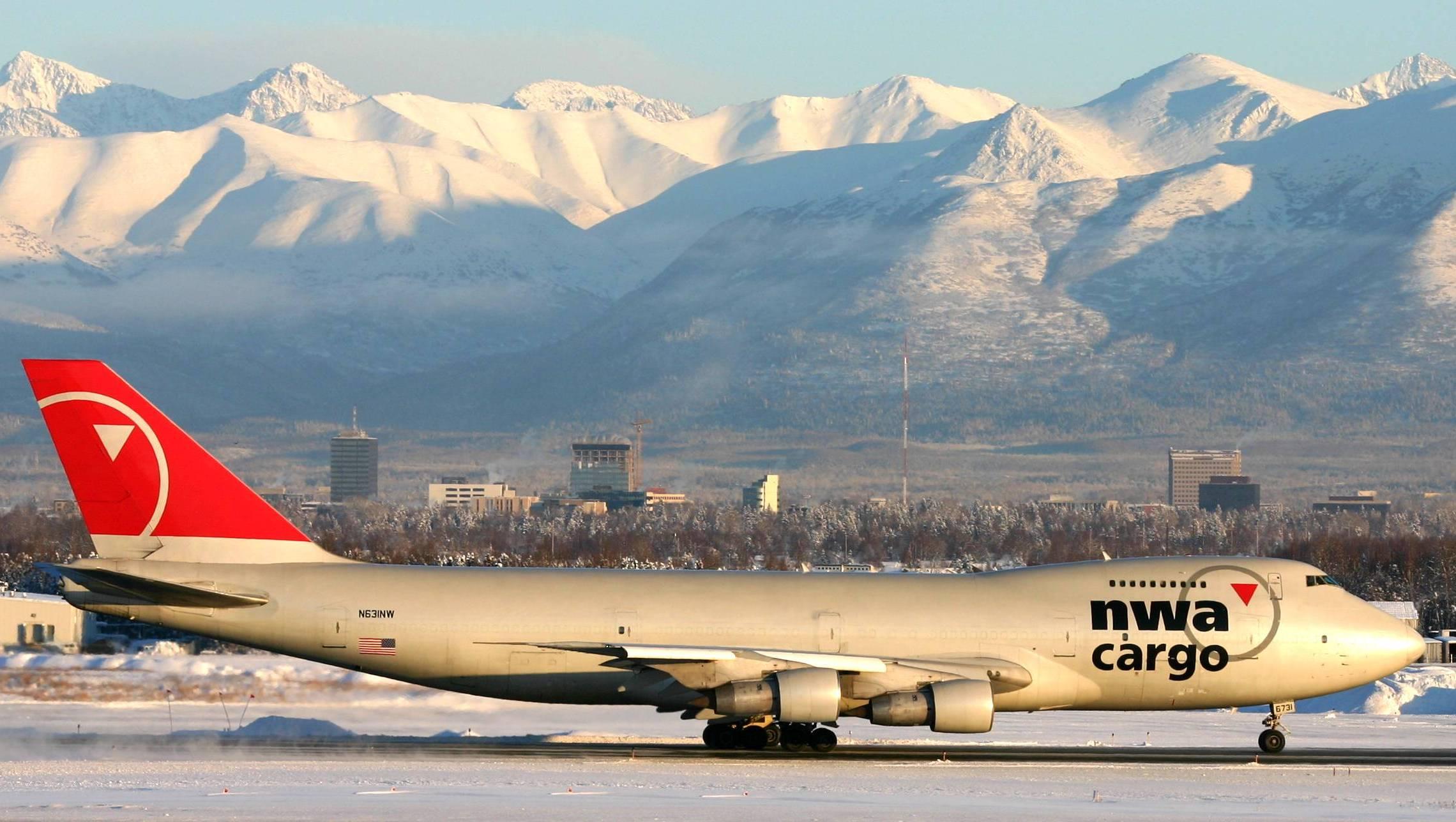 File Northwest Airlines Cargo Boeing 747 Jpg Wikimedia
