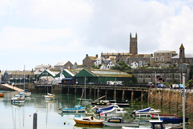 File:Penzance Harbour and Church - geograph.org.uk - 498975.jpg