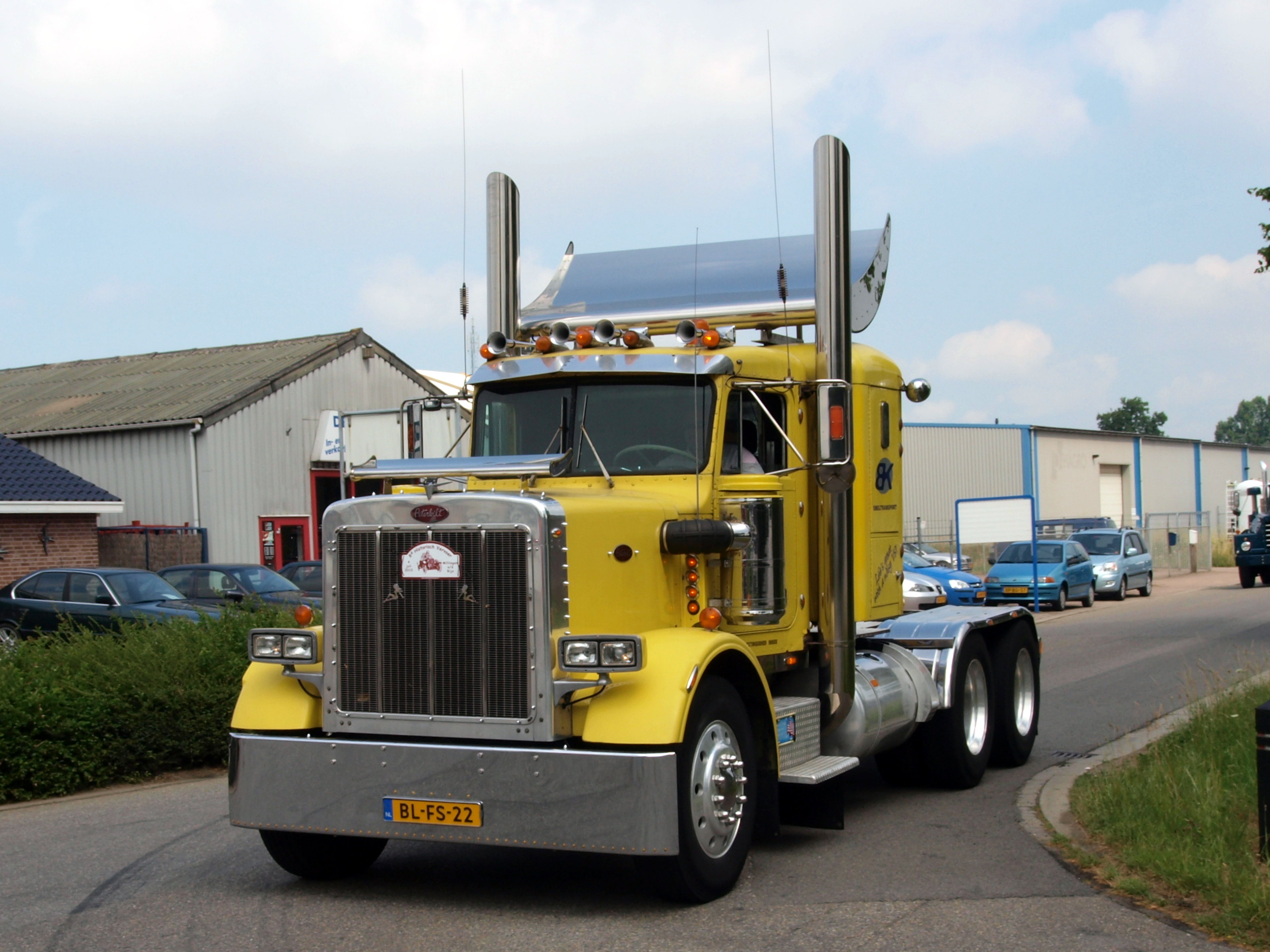 1973 peterbilt 359 check out this well restored peterbilt 359 truck