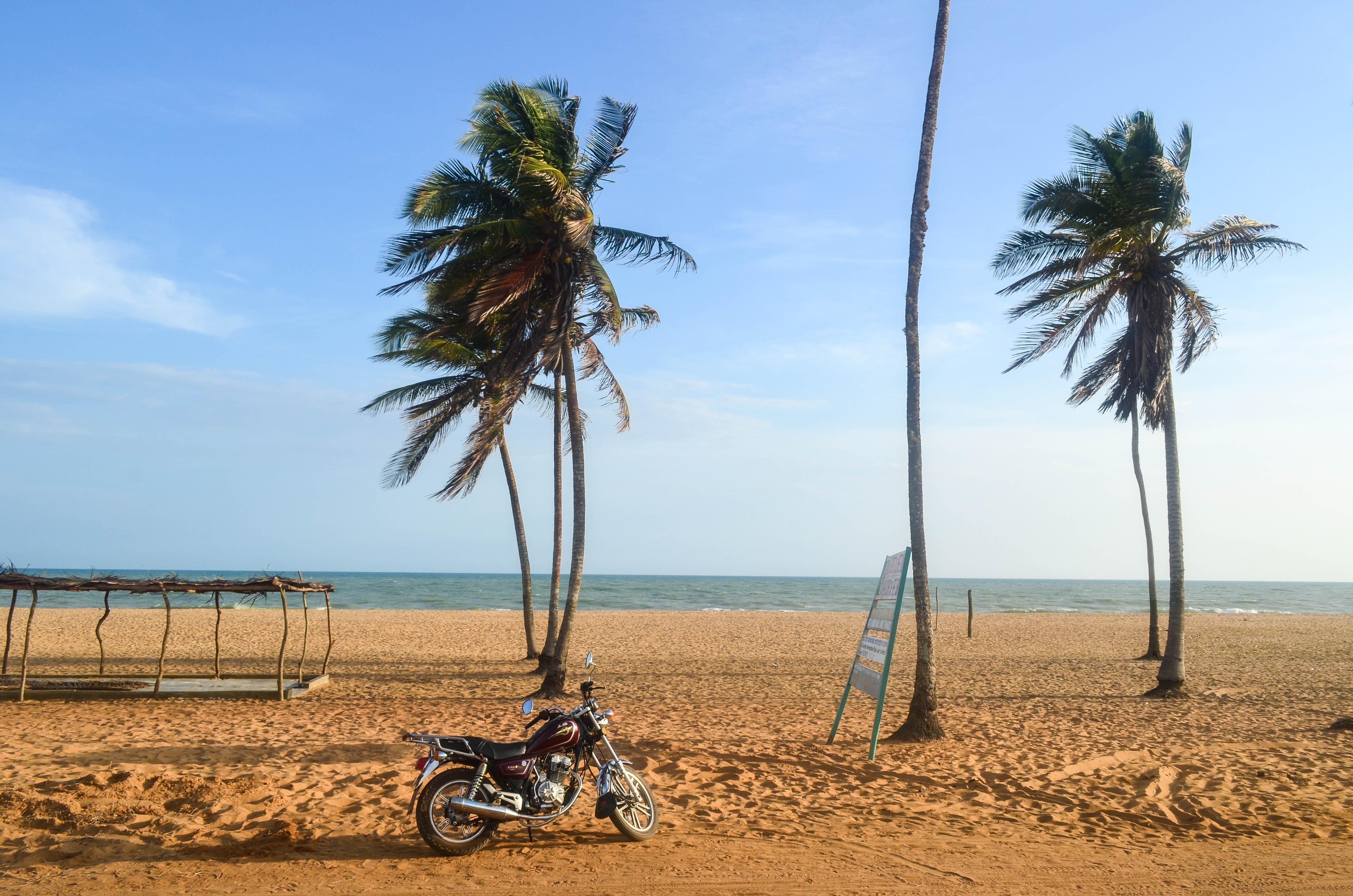 Plage de Ouidah Benin.jpg