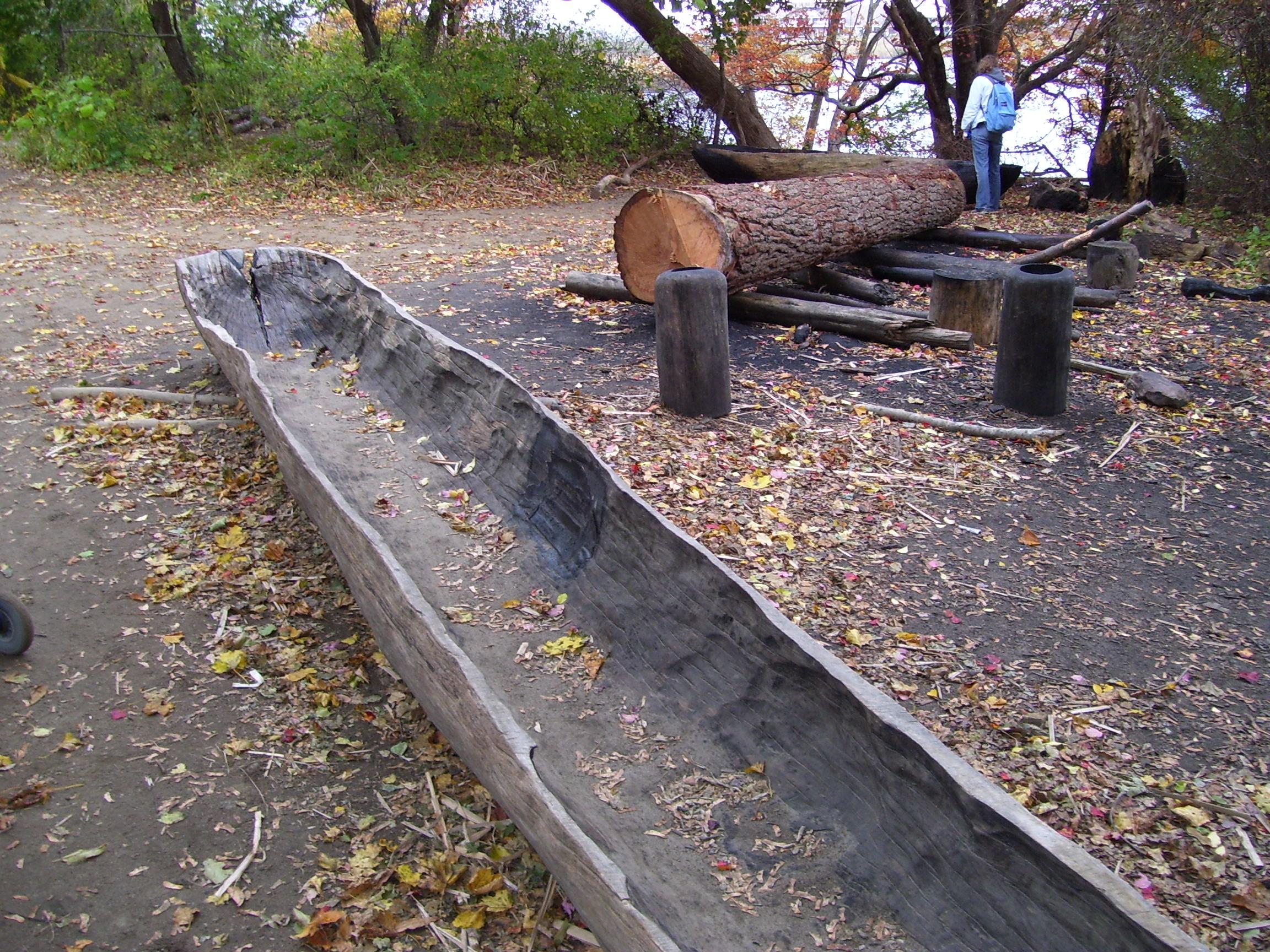 File Plimoth Plantation Canoe Jpg Wikimedia Commons