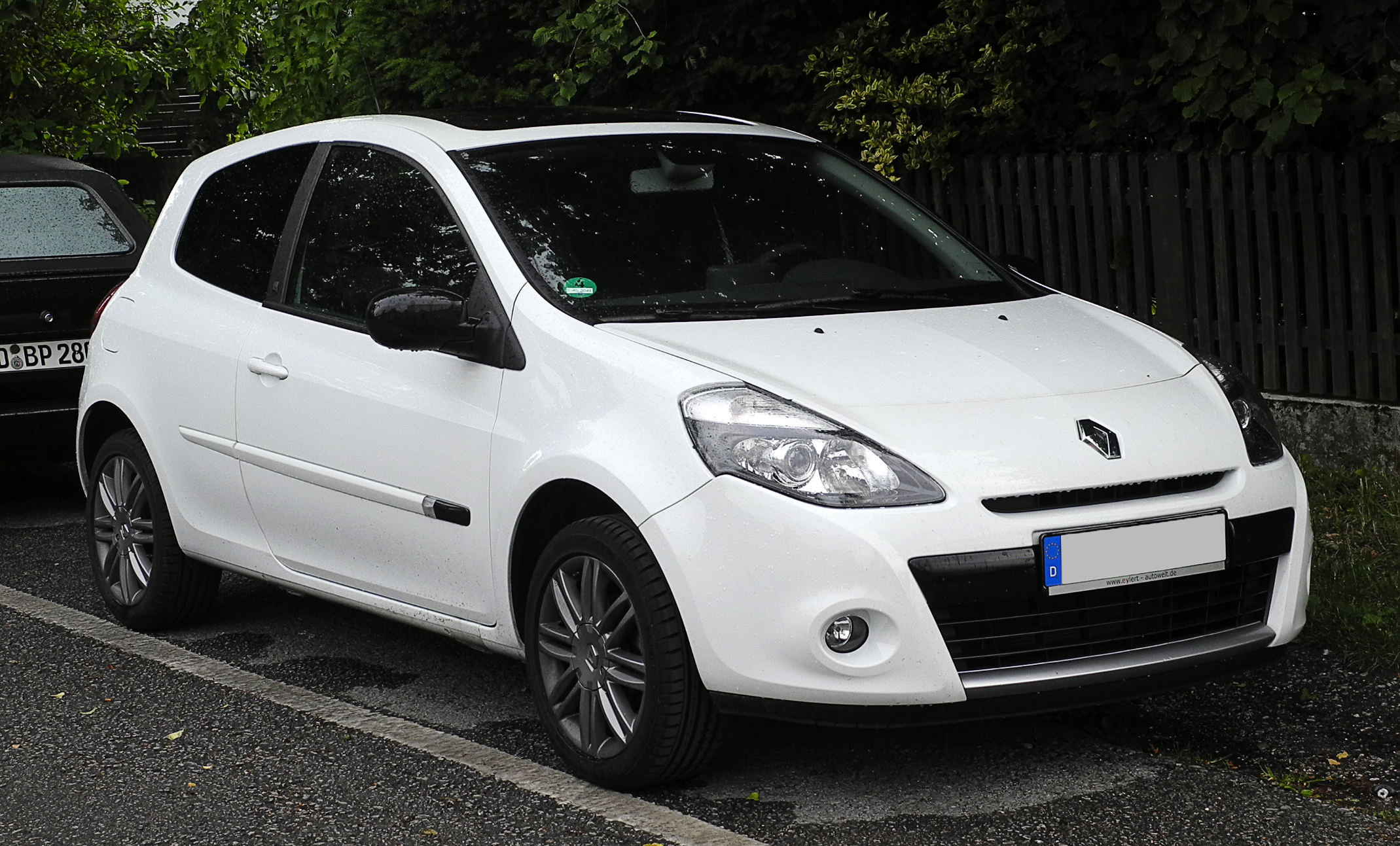 fichier renault clio 20th iii facelift frontansicht 11 juni 2011 w wikip dia. Black Bedroom Furniture Sets. Home Design Ideas