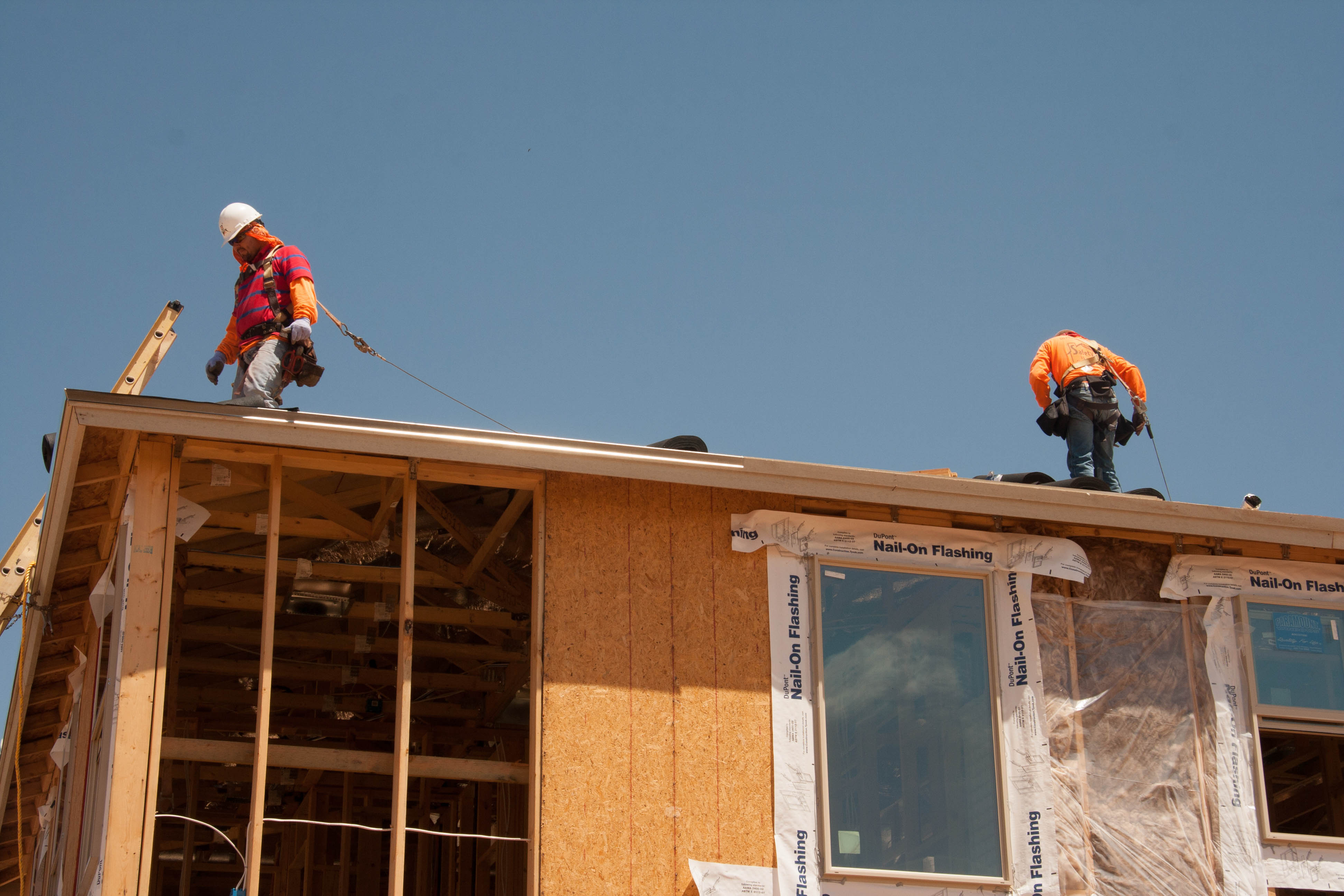 File:Residential construction site fall arrest system ...