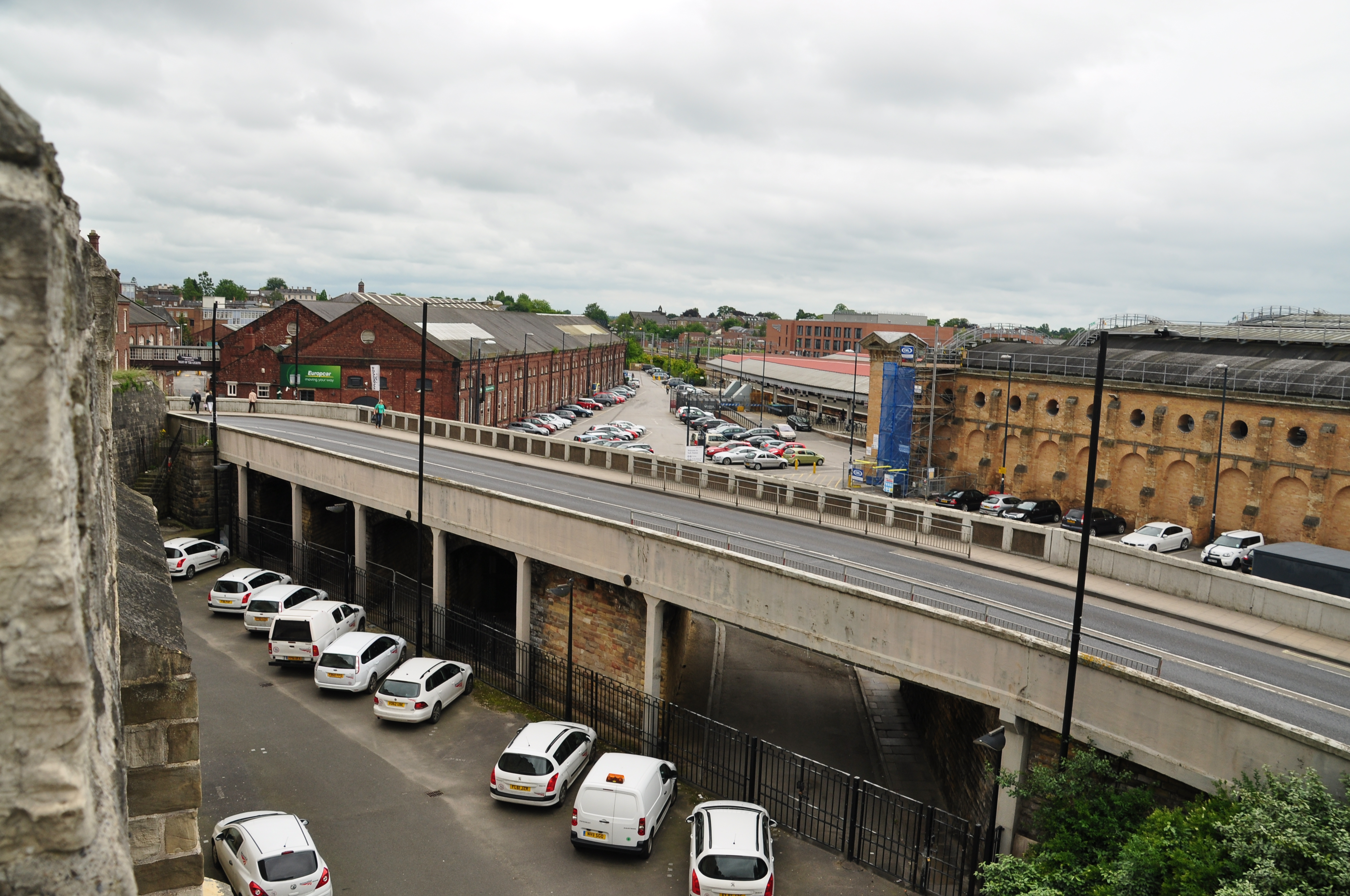 File Road Bridge By York Railway Station 8564 Jpg Wikimedia Commons