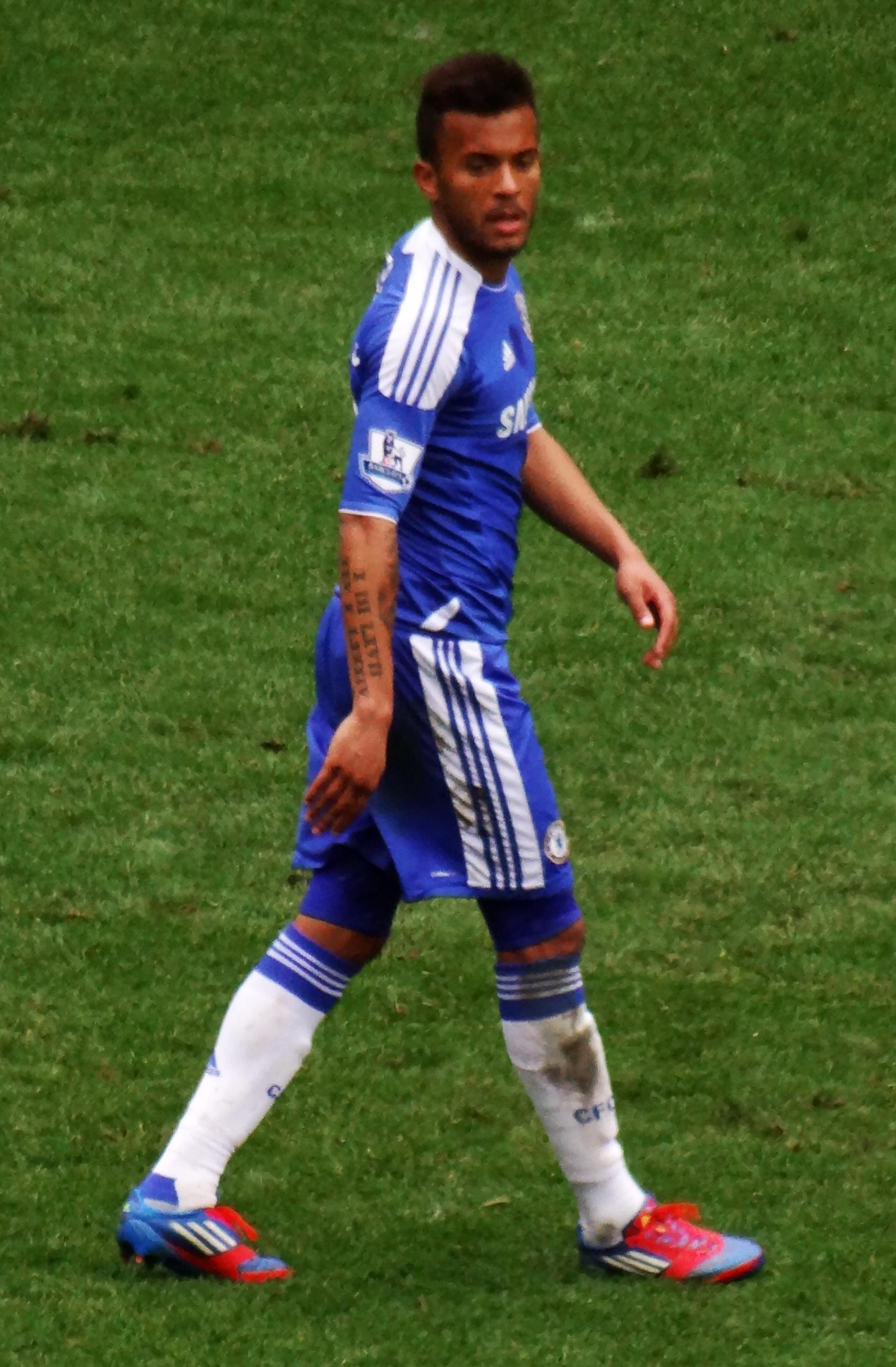 Футболист райан бертранд