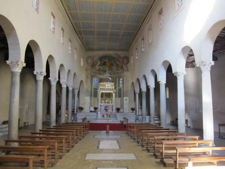 File san giorgio al velabro interno 01 jpg wikimedia for Arco arredamenti san giorgio