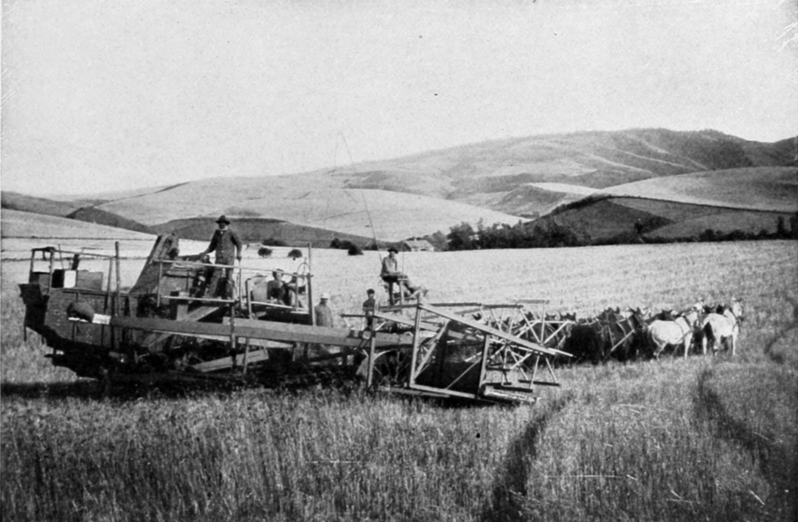 The Columbia River Its History, Its Myths, Its Scenery, Its Commerce p 417 combined harvester.png