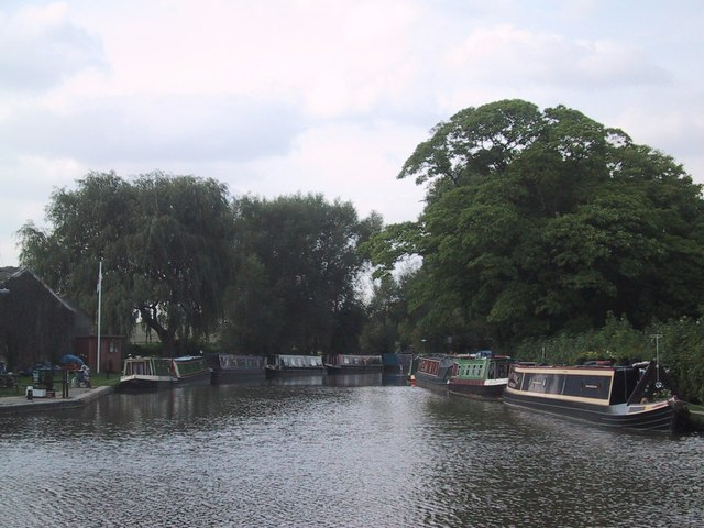 The Oxford Canal Basin at Thrupp - geograph.org.uk - 966644