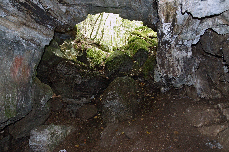 File:Torholan luola.jpg - Wikimedia Commons