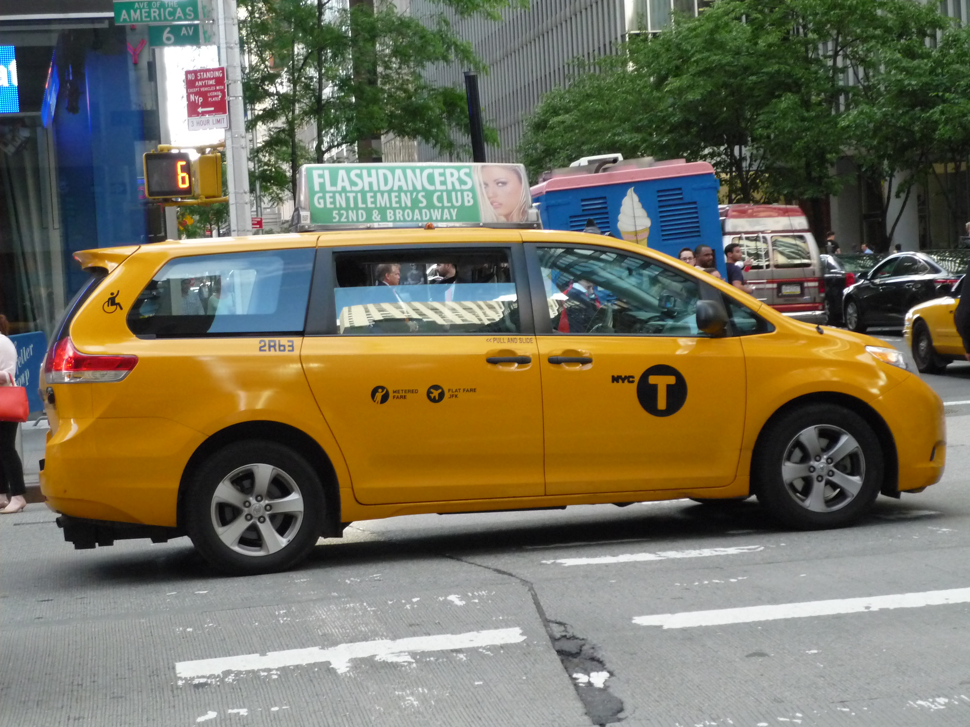 File Toyota Sienna Nyc Taxi 15283757172 Jpg