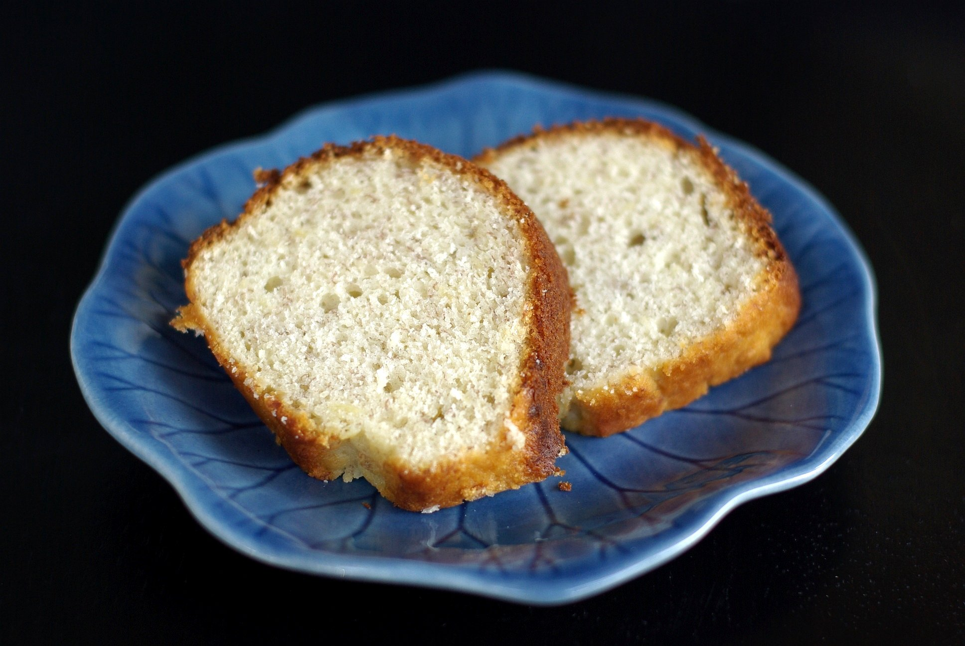 File:Two slices of banana bread on a blue plate, August ...
