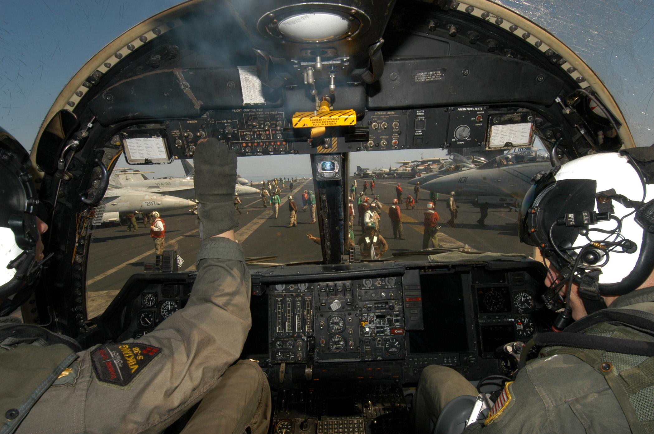 Soubor US Navy N 8704K 002 Two Naval Aviators Plete Pre