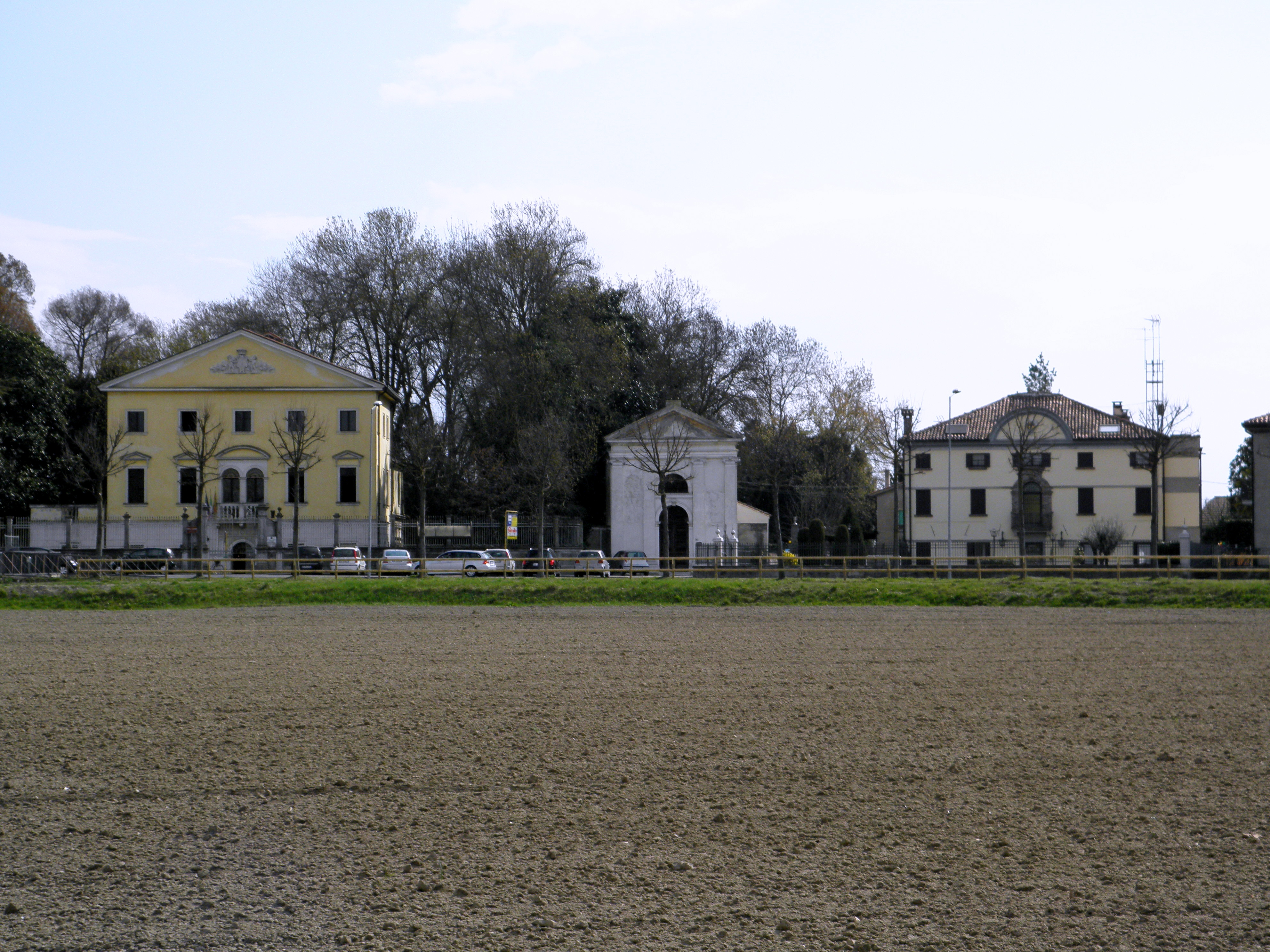 File:Via Roma, Villa Labia e3968