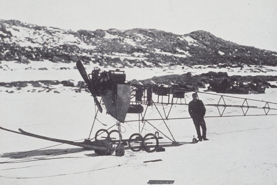 Actu : Un avion bloqué dans l'Antarctique depuis 1911 libéré des glaces Vickers_REP_Monoplane00