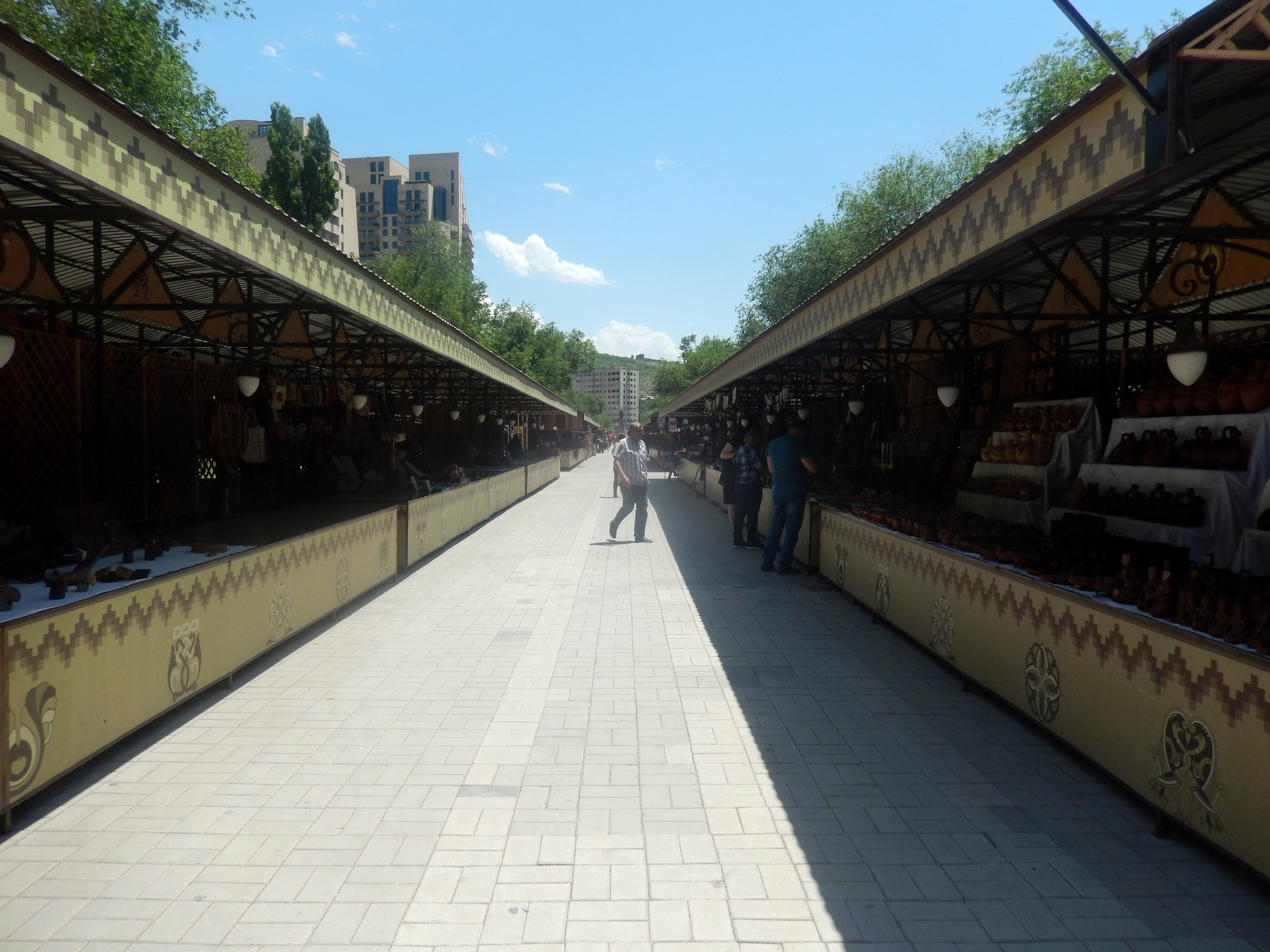Yerevan Vernissage after renovation (3).jpg Հայերեն: Yerevan Vernissage after renovation Date 31 May 2017, 13:09:06 Source Own work Author