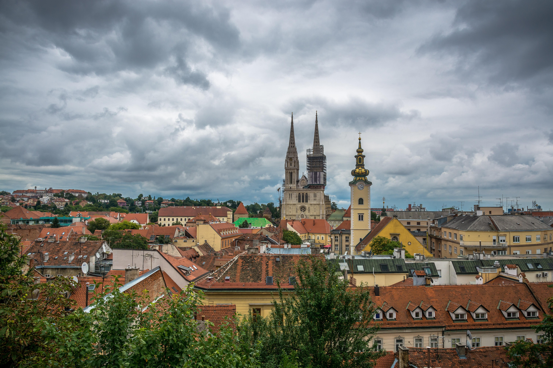 File Zagreb 2015 Zagrebacka Katedrala Pogled S Gornjeg Grada Zagreb Cathedral View From Upper Town Panoramio Jpg Wikimedia Commons