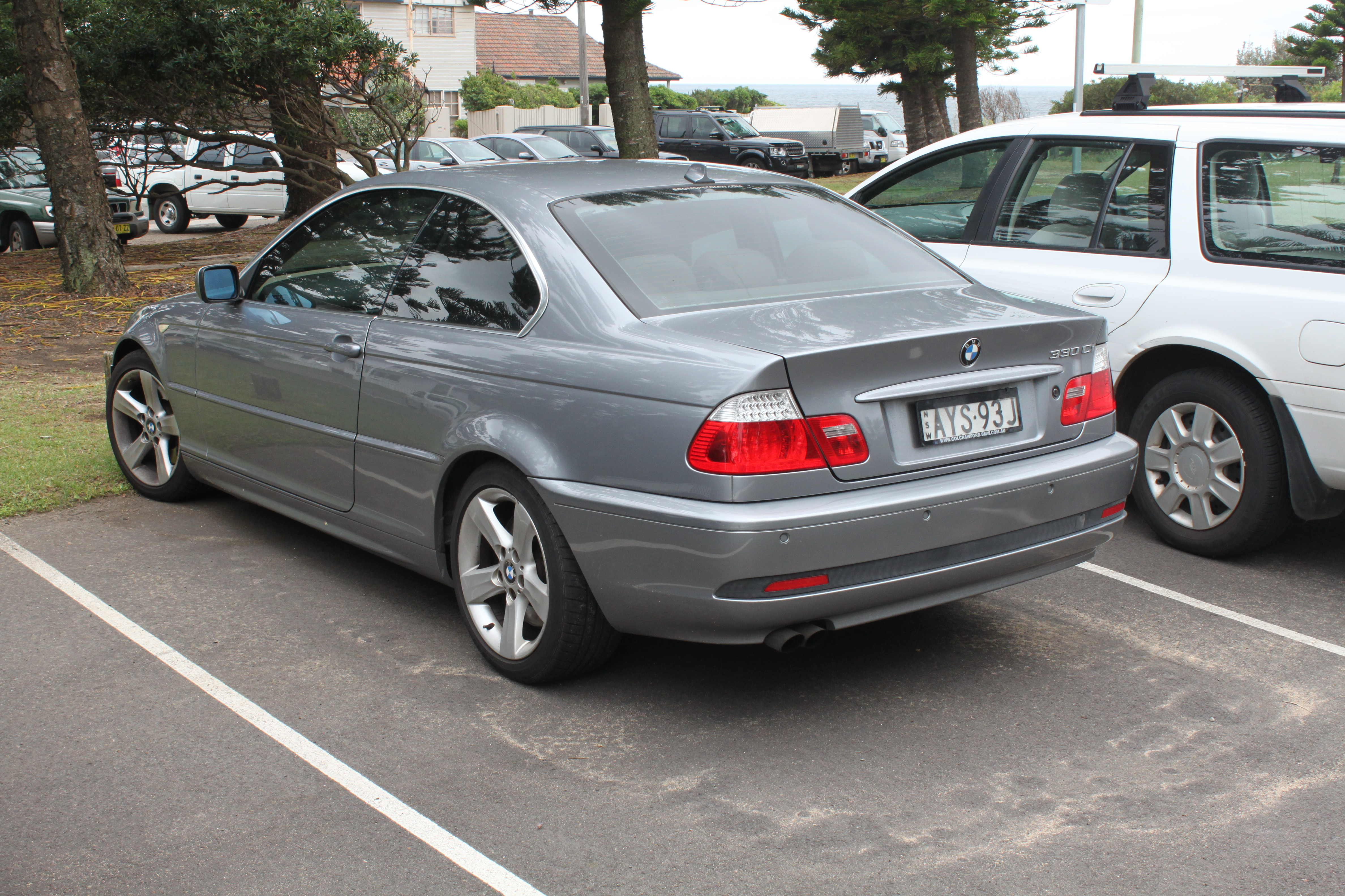 File:2004 BMW 330Ci (E46) coupe (23150002691).jpg - Wikimedia Commons
