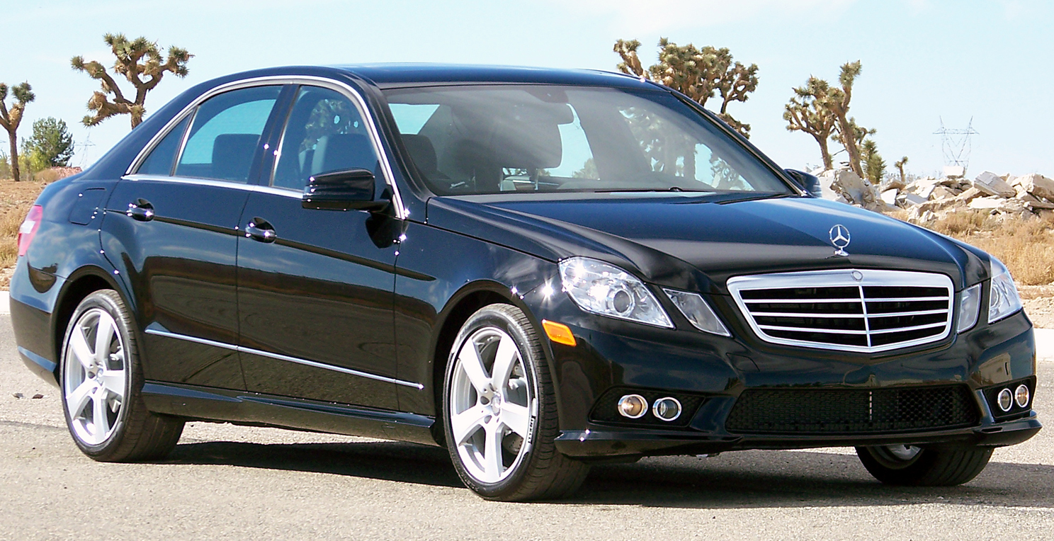 File 2010 mercedes benz e350 wikimedia commons for Mercedes benz of usa