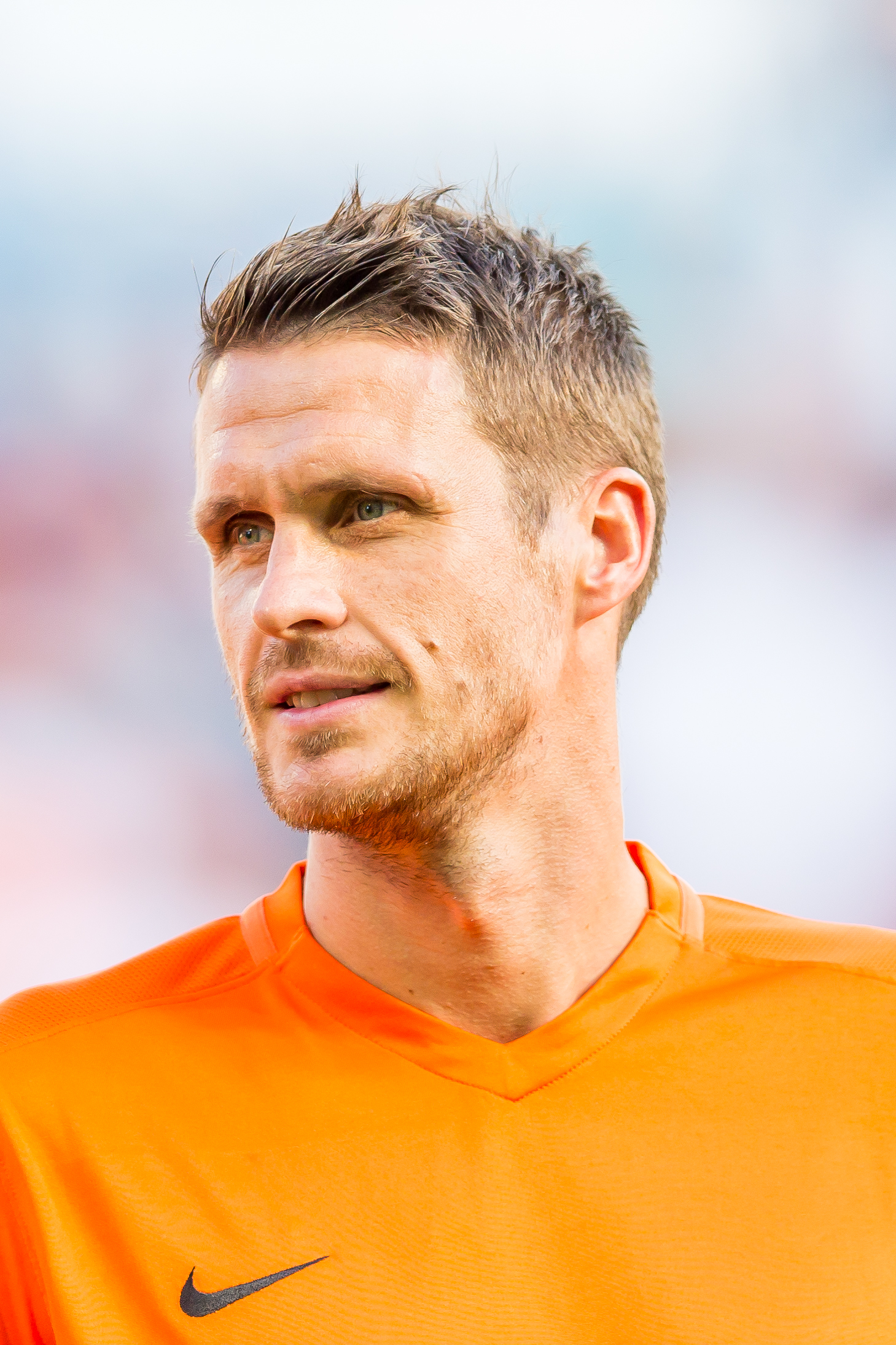 The 38-year old son of father (?) and mother(?) Sebastian Kehl in 2018 photo. Sebastian Kehl earned a  million dollar salary - leaving the net worth at 2.2 million in 2018