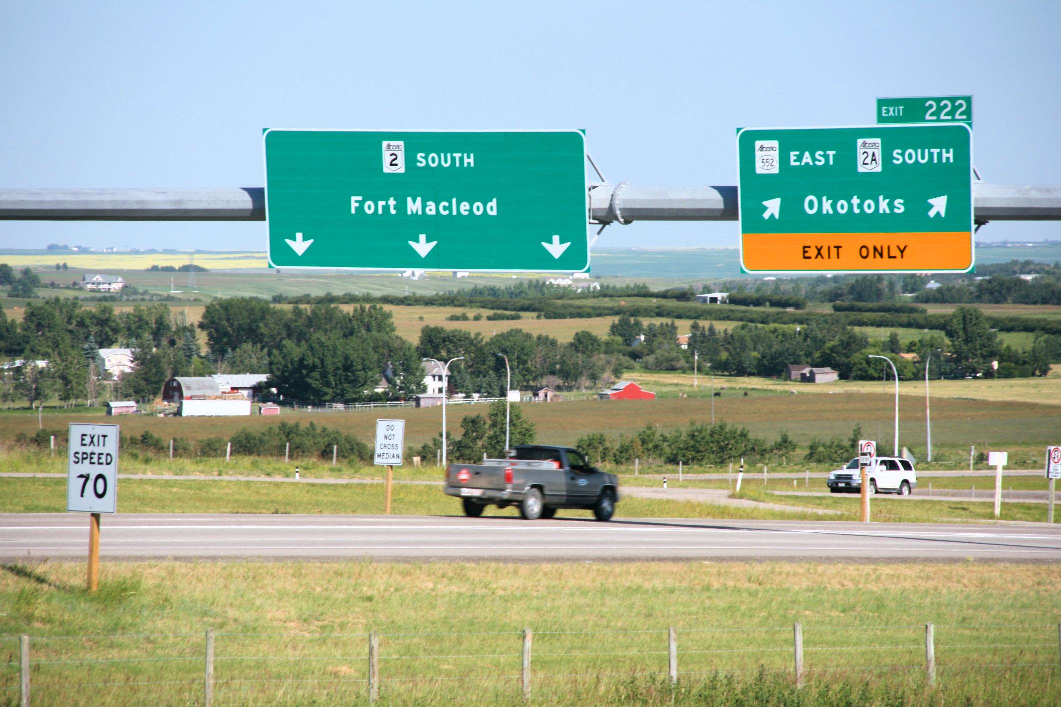File:Alberta Highway 2 - exit 222 jpg - Wikipedia