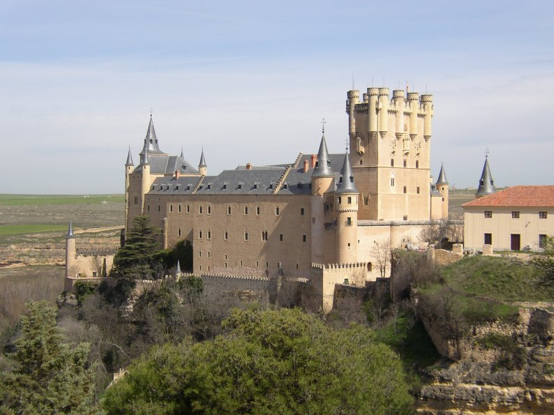 http://upload.wikimedia.org/wikipedia/commons/3/35/Alcazar05_5-4-04.JPG