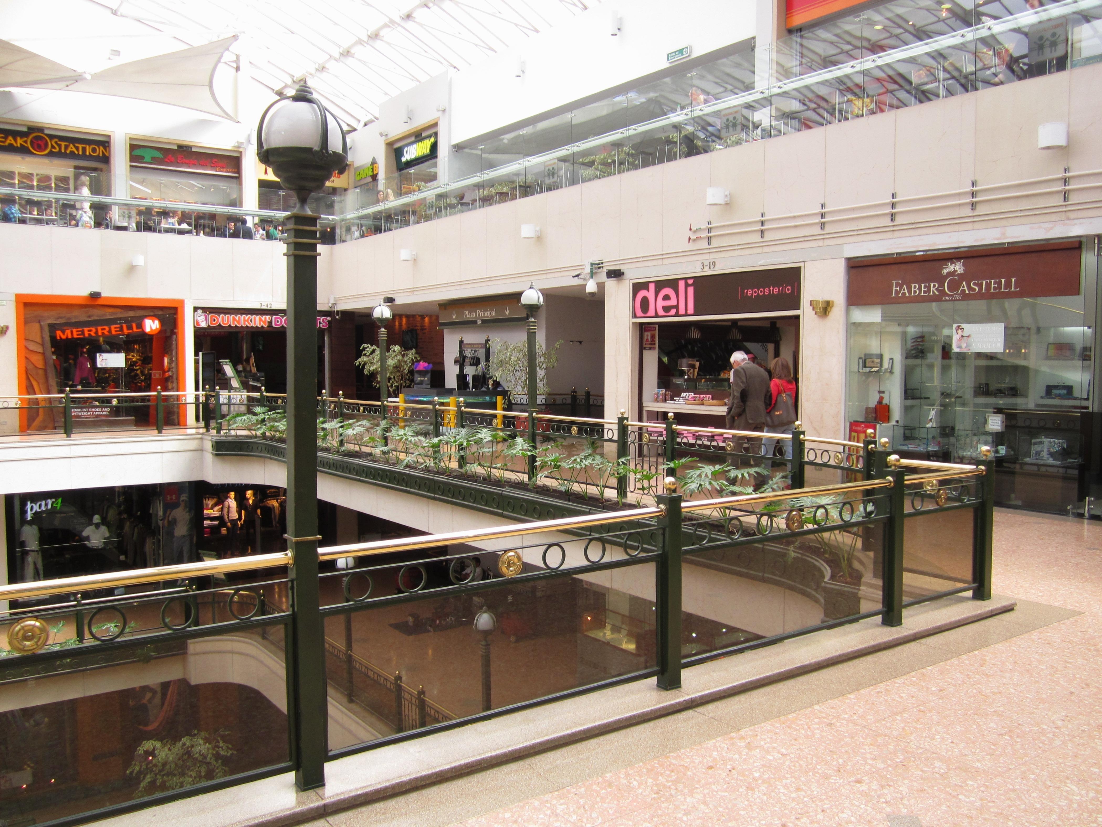 file andino centro comercial interior bogot jpg