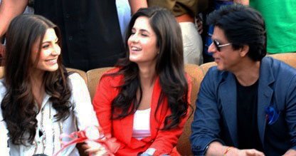 File:Anushka Sharma, Katrina Kaif and Shahrukh Khan at a ...