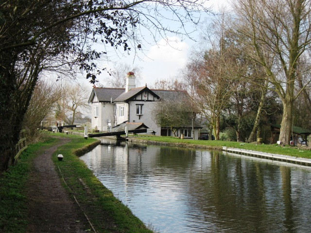 File aylesbury arm black jack 39 s lock no 4 and canal for Jack s fish house