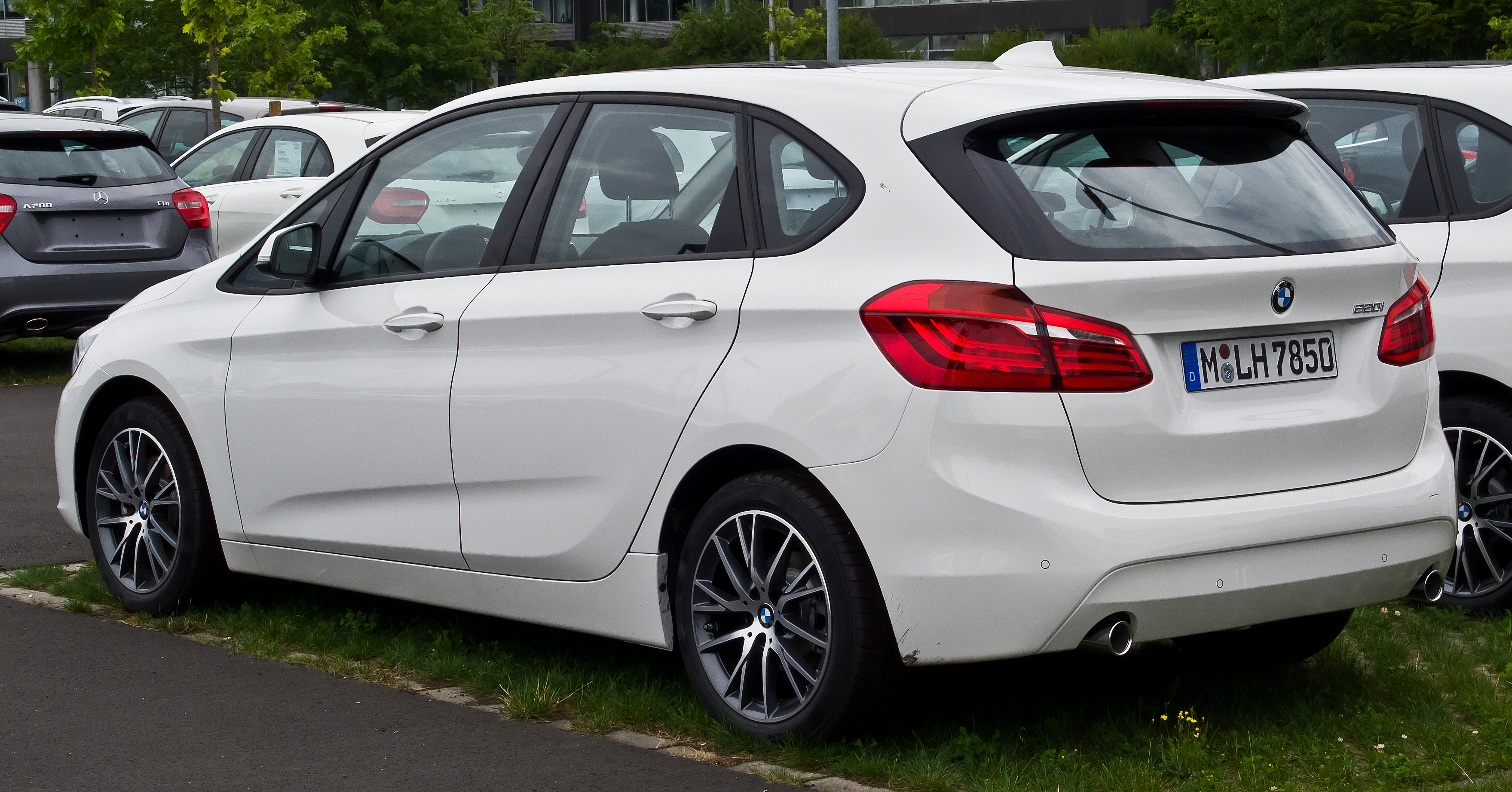 File Bmw 220i Active Tourer F45 Heckansicht 26 Juli
