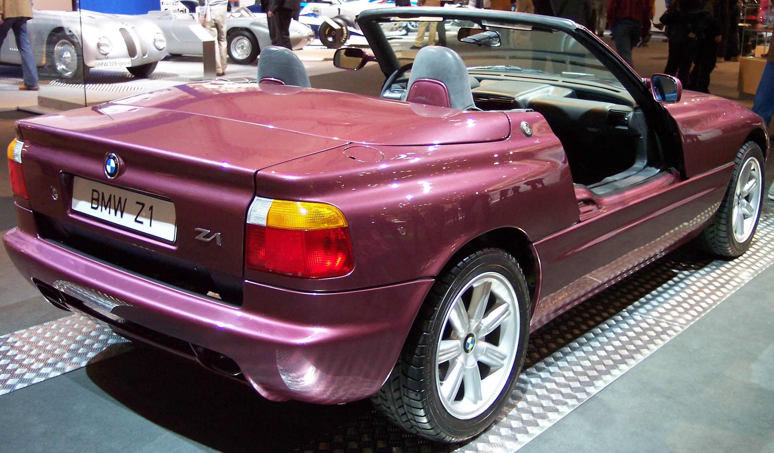 BMW_Z1_purpel_hr_TCE.jpg