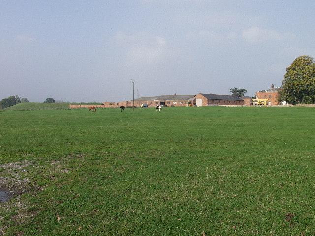 Bryn-y-grog farm and Marchwiel reservoir earthworks - geograph.org.uk - 65655