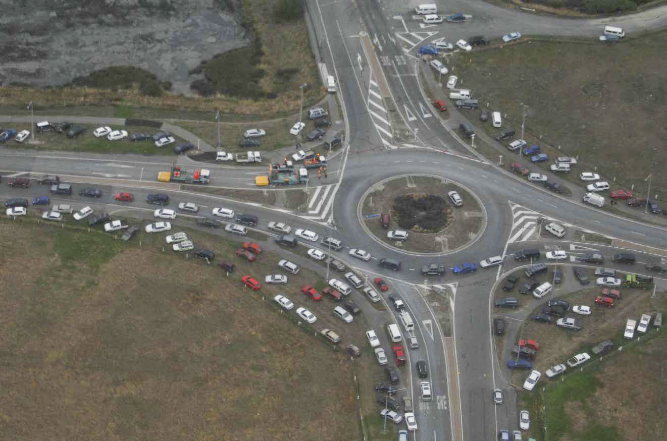 Cars On Line >> File:Cars Line Roundabout in Christchurch - Flickr - NZ Defence Force.jpg - Wikimedia Commons