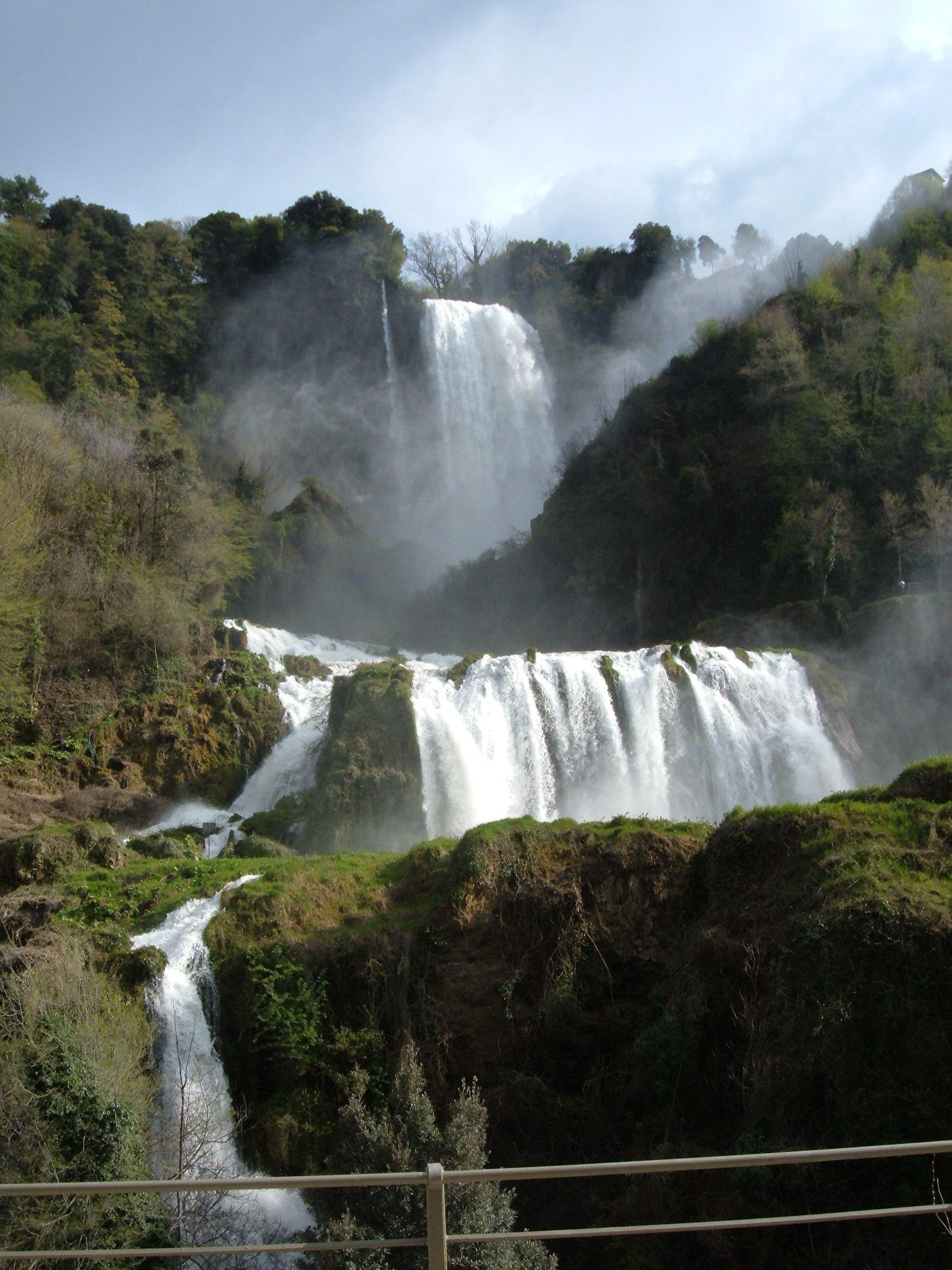 Cascada Tour