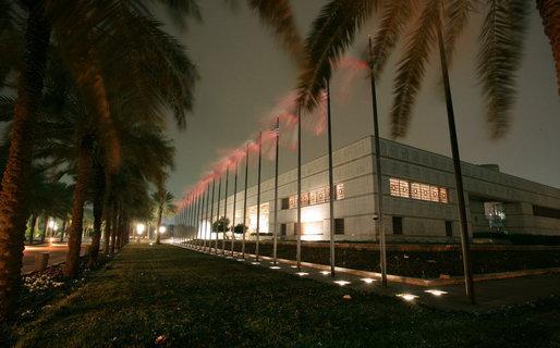 التعريف بالكويت كبلد سياحي المعلومات Conference_Center_Bayan_Palace_Kuwait_City.jpg