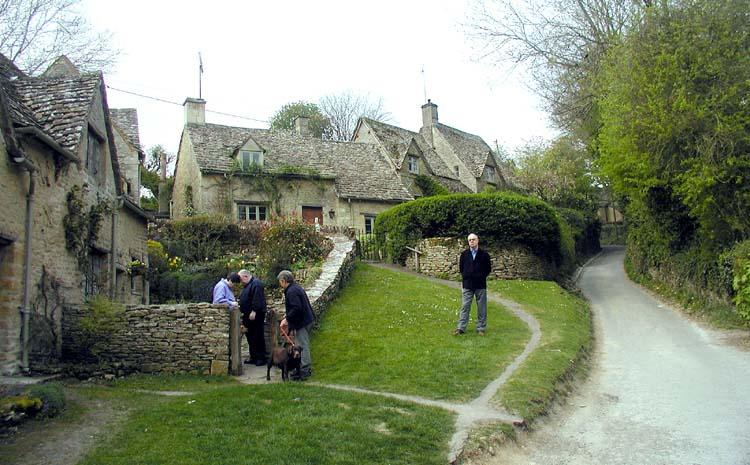 File Cotswolds Bibury Cottages 750pix Jpg Wikimedia Commons