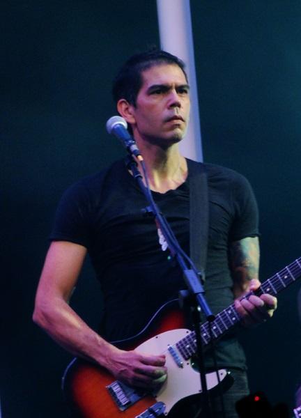 Dado Villa-Lobos en vivo, 2012.