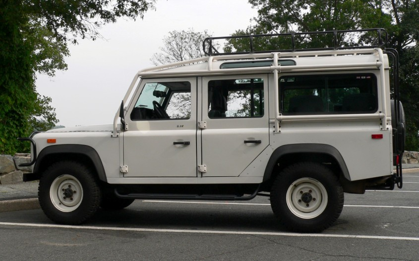Wikipedia: Land Rover Defender