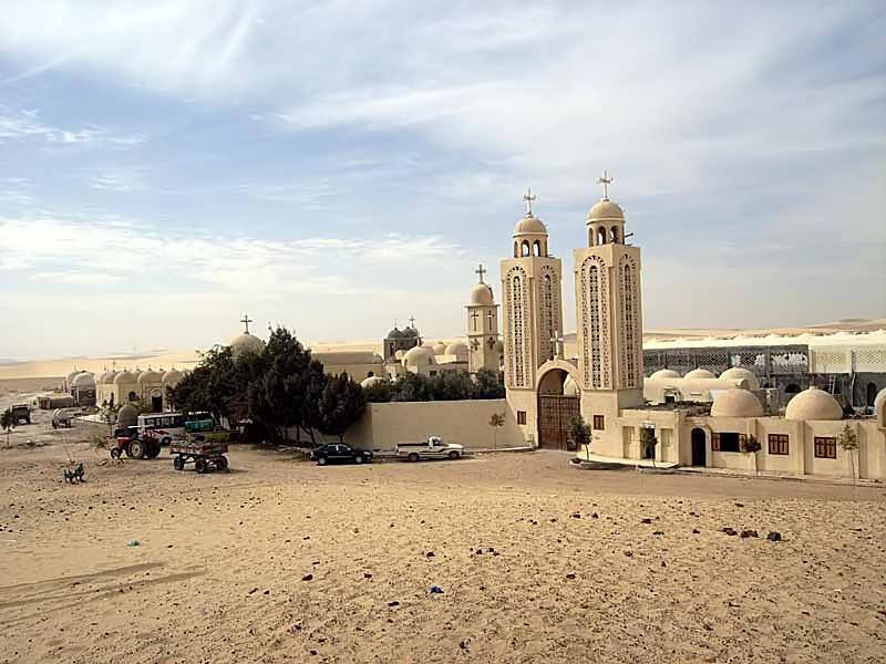 س و ج عن دير أبو فانا الأثرى بالمنيا
