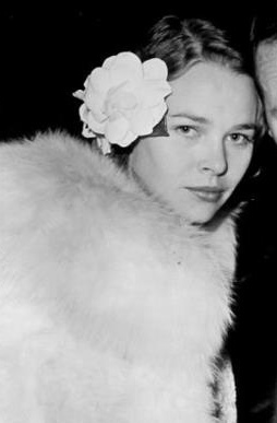 Dillinger - Michelle Phillips (crop).jpg