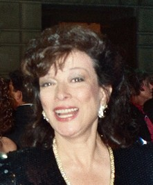 Dixie Carter at the 41st Emmy Awards cropped.jpg
