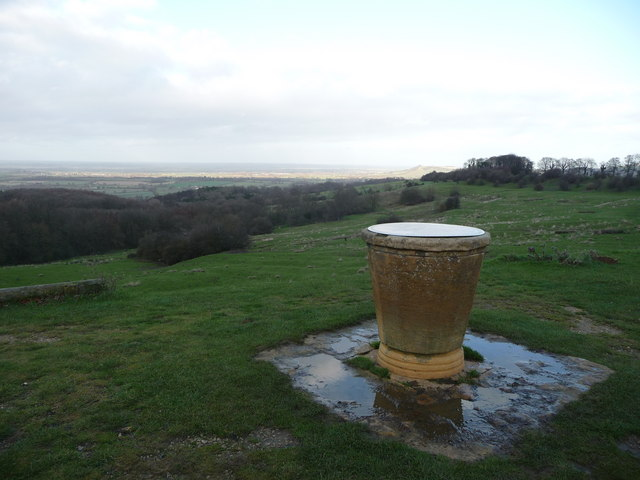 Dover's Hill toposcope - geograph.org.uk - 1608515