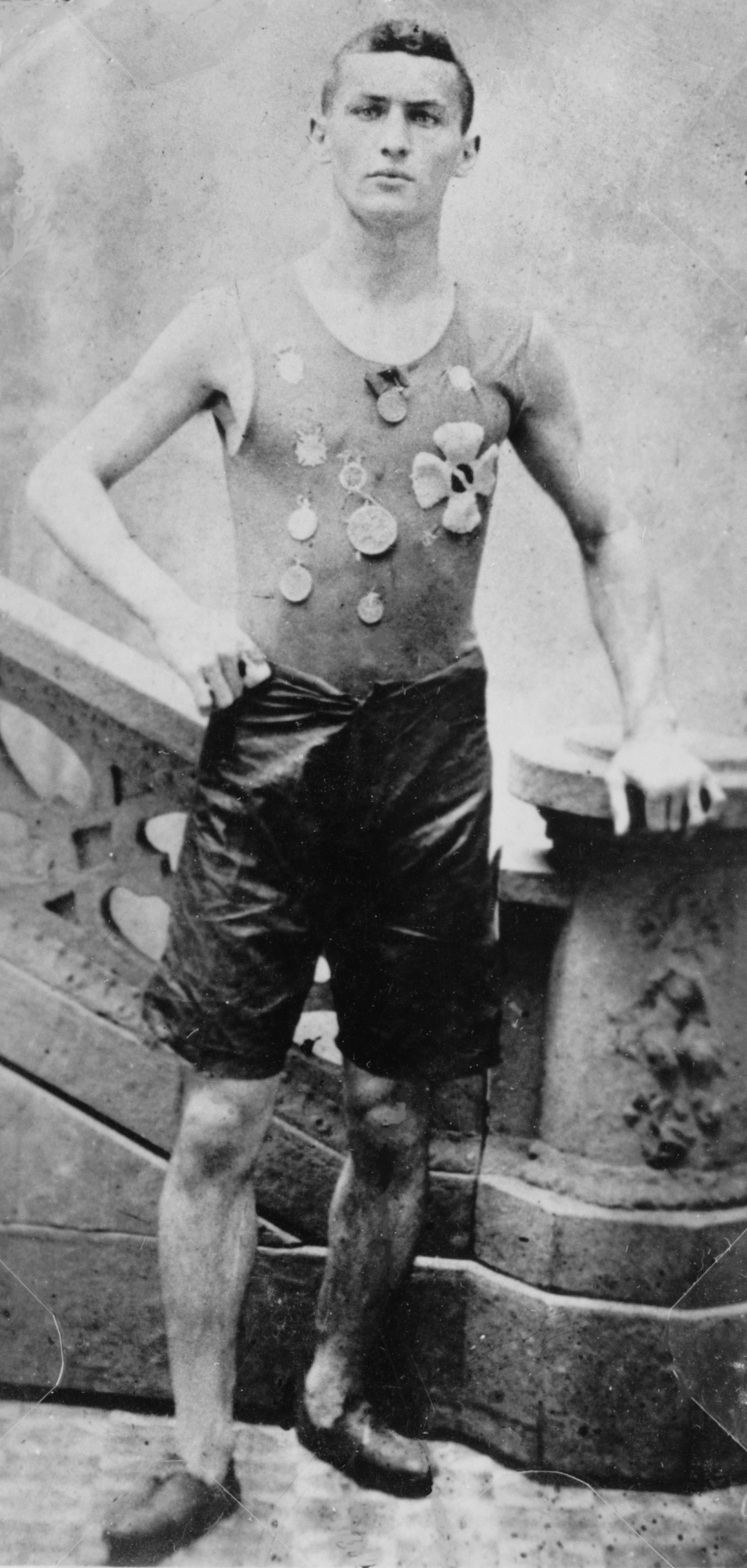 Fast Facts on Harry Houdini · Lomography