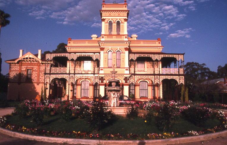 File eynesbury house wikimedia commons for Adelaide house