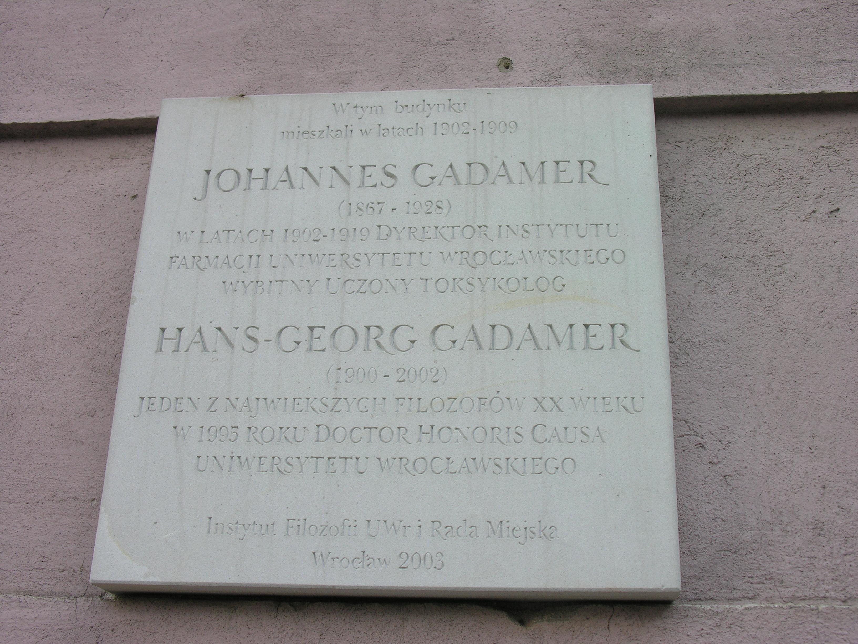 Gadamer-tablica.JPG