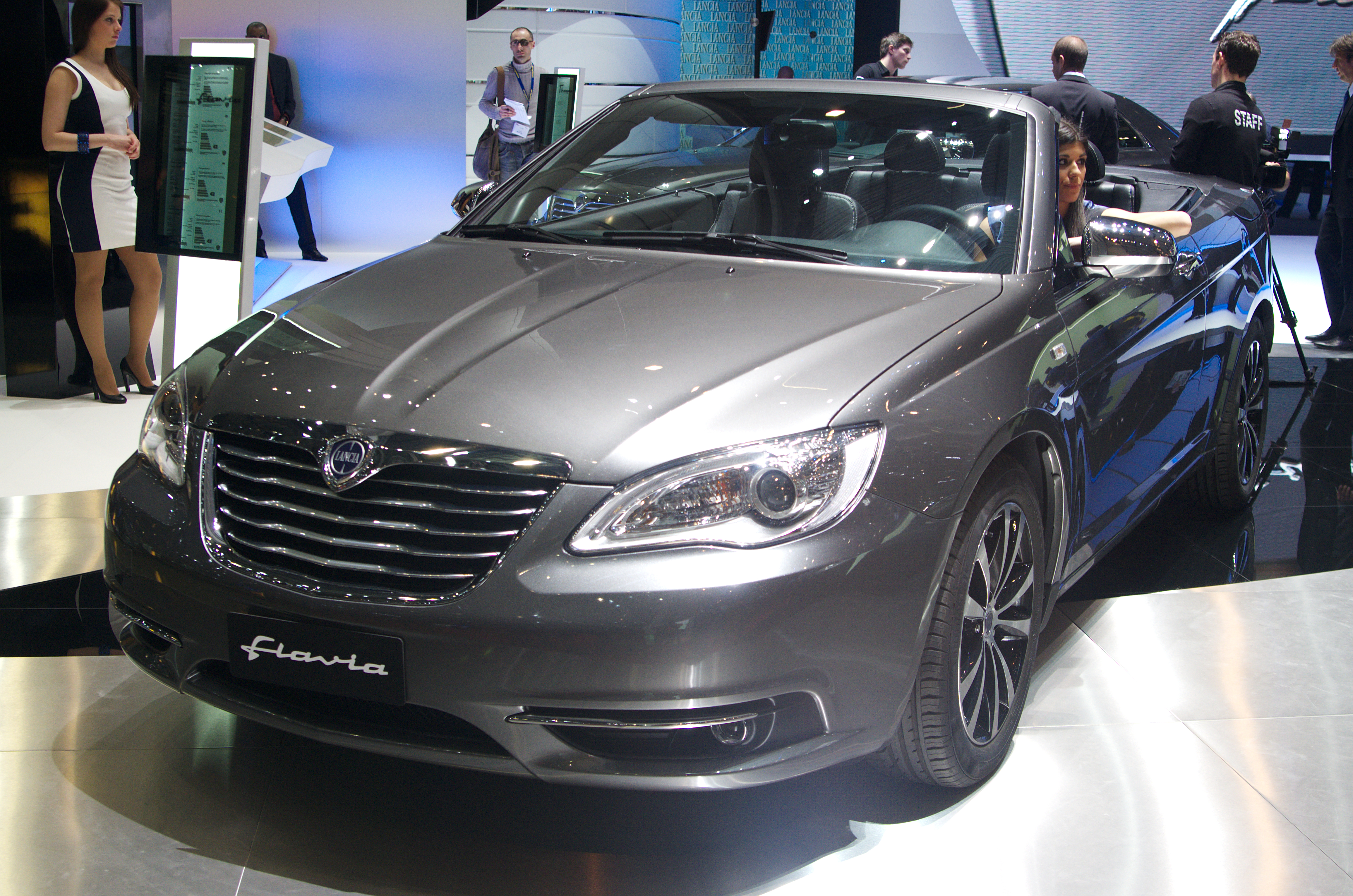 https://upload.wikimedia.org/wikipedia/commons/3/35/Geneva_MotorShow_2013_-_Lancia_Flavia.jpg
