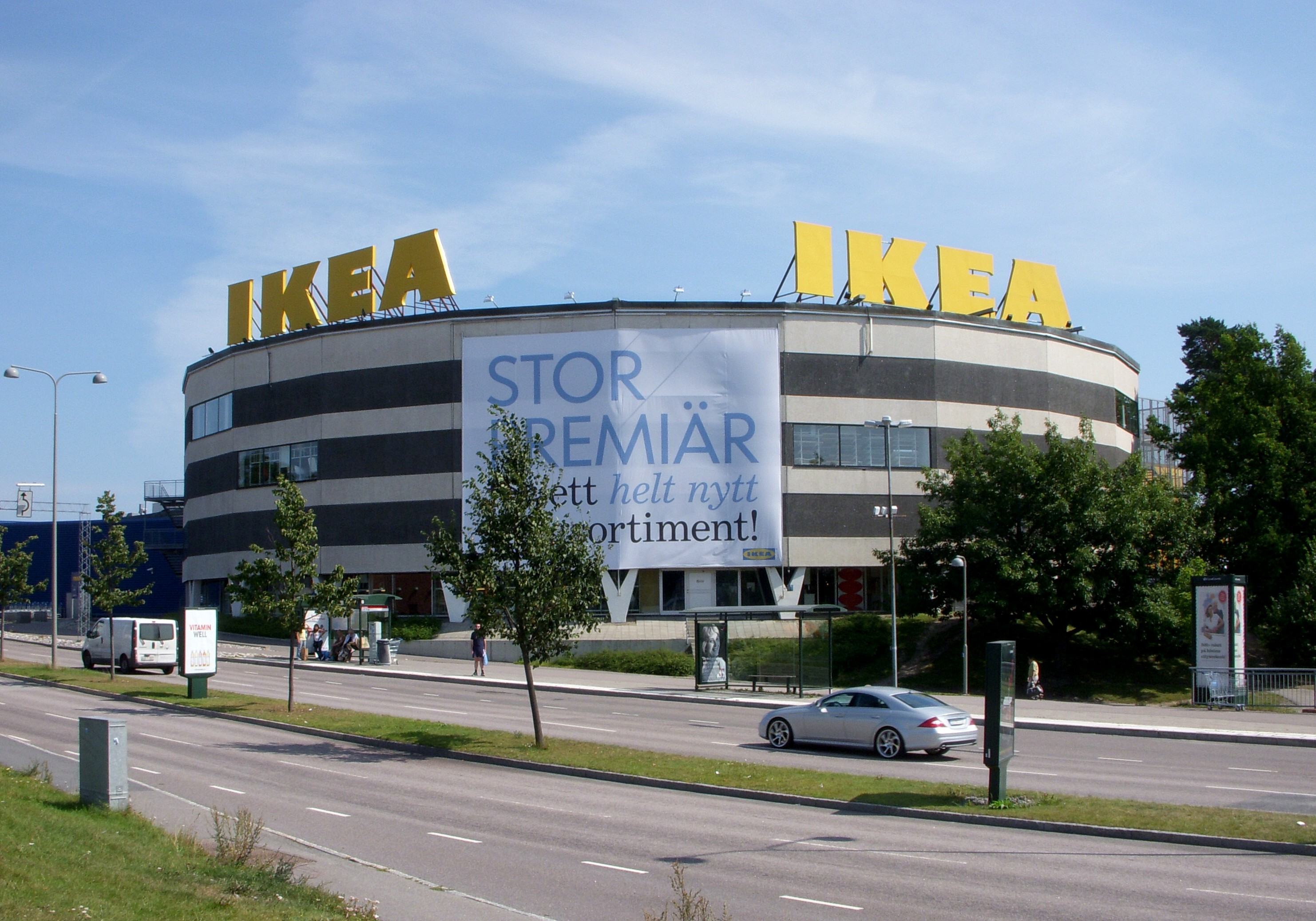 swedens ikea Ikea founder ingvar kamprad amassed 362 billion kronor ($46 billion) in wealth before he died according to his will, half of that money will go to charity in sweden, with the rest divided among his children.