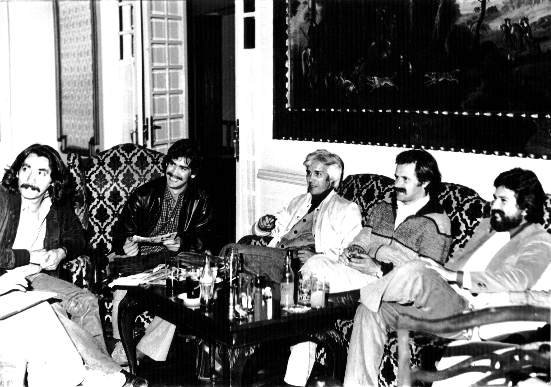 Indio Juan. Rueda de prensa junto a Quilapayún en Santander, 1979.